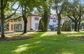 Residential for sale in Bouches-du-Rhône. Aix-en-Provence — Exceptional manor