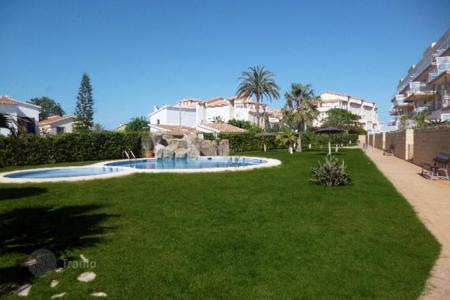 Cheap apartments with pools for sale in Denia. Apartment – Denia, Valencia, Spain