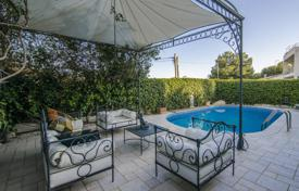 Houses for sale in Costa del Garraf. Modern villa in Sitges, Spain. Sea view, garden, swimming pool, garage