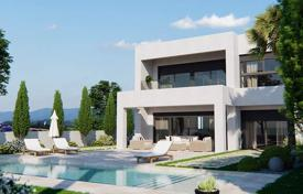 Villas and houses with pools for sale in Valencia. Sea view villa with terrace and swimming pool, in 10 minutes from the beach, in Pilar de la Horadada, Alicante, Spain