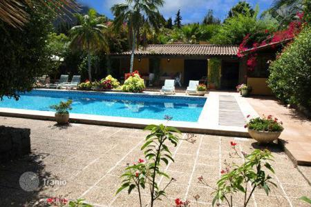 Luxury 4 bedroom houses for sale in Orotava. Villa – Orotava, Canary Islands, Spain