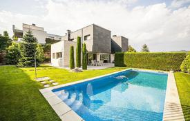 Luxury 5 bedroom houses for sale in Catalonia. Villa – Vallromanes, Catalonia, Spain