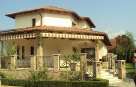 Houses with pools for sale in Hungary. Almost new house, built in best quality close to Budapest