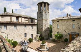 Property to rent in Umbria. Castello di Federico II