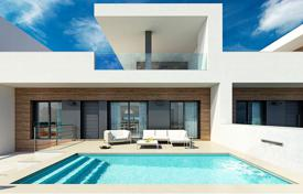 Cheap townhouses for sale in Spain. Modern townhouses with private pool in Formentera del Segura