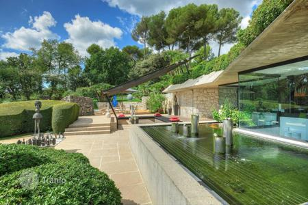 Luxury 6 bedroom houses for sale in Côte d'Azur (French Riviera). Saint-Paul de Vence — Unique contemporary villa
