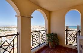 Apartment with sea view in an elite residential complex in Torrevieja for 128,000 €