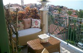 2 bedroom apartments by the sea for sale in Bordighera. Two-bedroom apartment only 500 meters from the beach in Bordighera