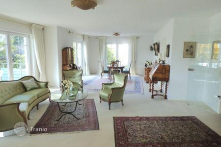 Residential for sale in Baden-Wurttemberg. Comfortable apartment in a privileged residential area of Baden-Baden