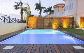 Luxury 5 bedroom houses for sale in Canary Islands. Villa – Los Cristianos, Canary Islands, Spain
