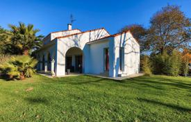 Property for sale in Bidart. Two-level villa with a mountain view in the town of Bidart, Aquitaine, France