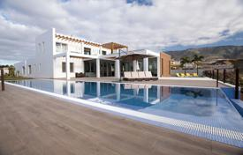 Houses with pools for sale in La Caleta. Villa – La Caleta, Canary Islands, Spain