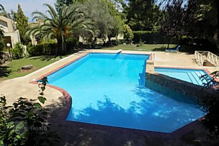 Houses with pools by the sea for sale in Chalkidiki. Villa – Kassandreia, Administration of Macedonia and Thrace, Greece