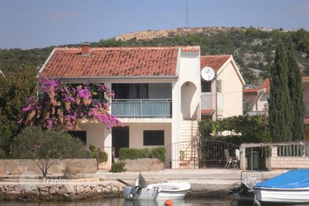Coastal property for sale in Marina. House first line from sea