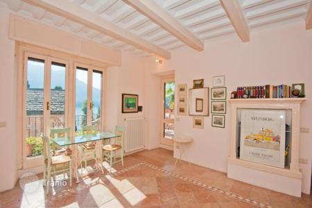 Property for sale in Lake Como. Historic villa with a garden and a view of Lake Como, Moltrasio, Italy