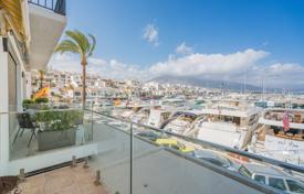 2 bedroom apartments for sale in Costa del Sol. Chic and Classy Frontline Apartment in Puerto Banus, Marbella