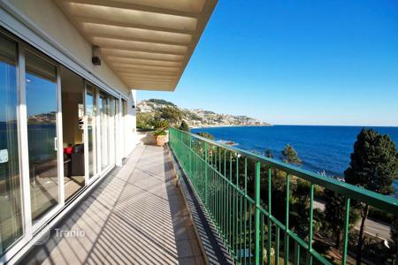 Luxury 4 bedroom apartments for sale overseas. Apartment – Sanremo, Liguria, Italy