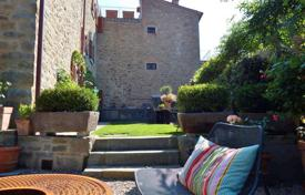 3 bedroom houses for sale in Tuscany. Villa – Cortona, Tuscany, Italy