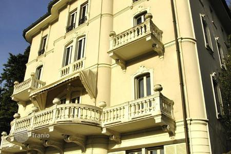 Coastal apartments for sale in Lombardy. Apartment – Lake Como, Lombardy, Italy