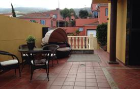 Residential for sale in Orotava. Three-storey villa with a garden, a terrace, and a balcony with a view of the ocean, near the beach, La Orotava, Tenerife, Spain