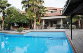 6 bedroom houses by the sea for sale in Spain. Villa – Barcelona, Catalonia, Spain