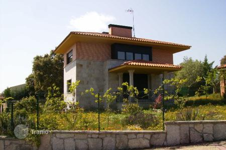 Foreclosed 4 bedroom houses for sale in Castille and Leon. Villa – Carrascal de Barregas, Castille and Leon, Spain