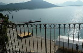 Apartments for sale in Piedmont. Feriolo. Baveno. Lake Maggiore. Stylish apartment located directly on the beach