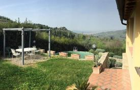 4 bedroom apartments for sale in Tuscany. Apartment – Bagno A Ripoli, Tuscany, Italy