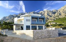 Houses for sale in Makarska. New villa in a quiet location in Makarska