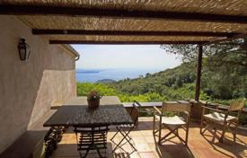 4 bedroom houses for sale in Tuscany. Charming Cottage for sale in Porto Ercole, Magnificent views of the bay of Feniglia and the Forts