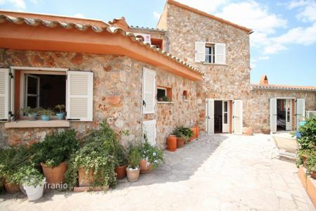 Townhouses for sale in Majorca (Mallorca). Terraced house - Calvia, Balearic Islands, Spain