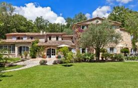 5 bedroom houses for sale in Grasse. Villa – Grasse, Côte d'Azur (French Riviera), France