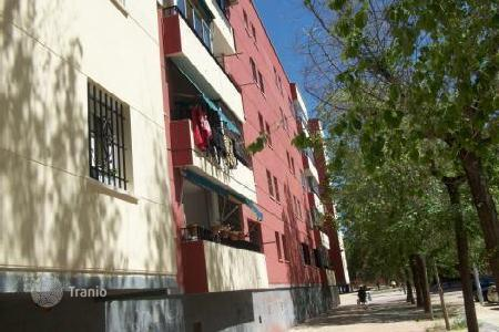 Cheap 4 bedroom apartments for sale in Madrid. Apartment – Meco, Madrid, Spain