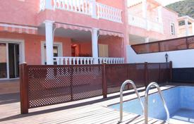 Townhouses for sale in Tenerife. Terraced house – Los Cristianos, Canary Islands, Spain