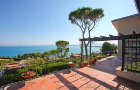 2 bedroom houses for sale in Tuscany. Luxury villa on the sea for sale in Tuscany — Monte Argentario