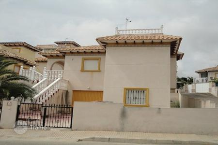 Cheap 4 bedroom houses for sale in Costa Blanca. Villa - Orihuela Costa, Valencia, Spain
