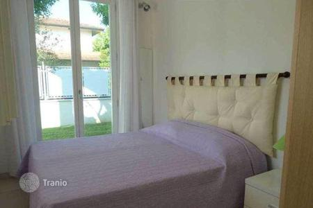 3 bedroom apartments by the sea to rent in Europe. Apartment in Vittoria Appuana