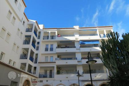 Cheap residential for sale in Moraira. 2 bedroom penthouse with huge terrace walking distance to the beach in Moraira downtown