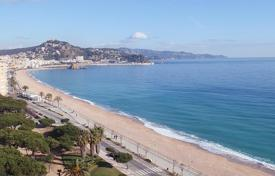 4 bedroom apartments for sale in Catalonia. Apartment – Blanes, Catalonia, Spain