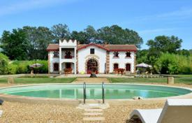 Luxury chateaux for sale in France. Castle – Saint-Gilles, Languedoc - Roussillon, France