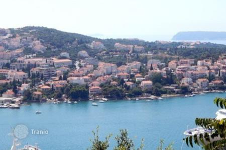 Cheap residential for sale in Dubrovnik. New apartment with a large terrace and a plot in Dubrovnik, Croatia