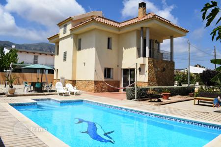 5 bedroom houses for sale in Costa Dorada. Villa for sale with pool to enjoy, rest and stay to live