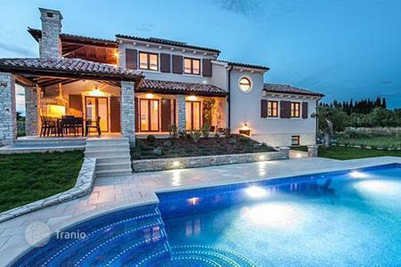 Property for sale in Pula. Luxury villa with pool in Pula