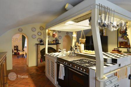 Luxury property for sale in Castell'arquato. Villa – Castell'arquato, Emilia-Romagna, Italy