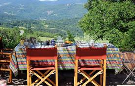 2 bedroom houses for sale in Tuscany. Spacious house with a garden in Vaglia, Tuscany, Italy
