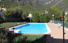 Coastal townhouses for sale in Costa del Garraf. Terraced house – Sitges, Catalonia, Spain