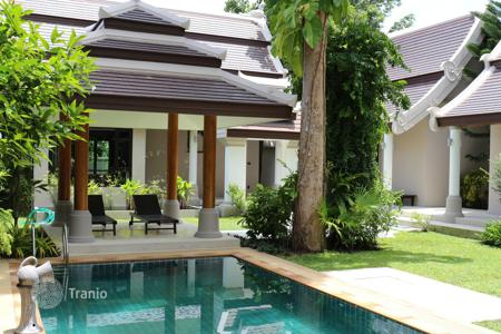 3 bedroom houses from developers for sale overseas. Balinese villa 250 meters from the beach