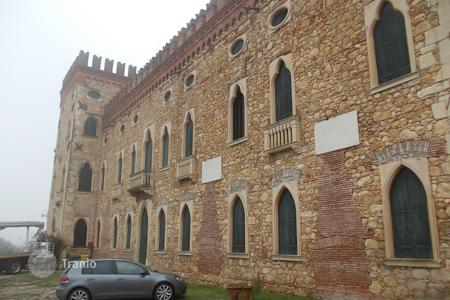 Chateaux for sale in Italy. Castle – Veneto, Italy
