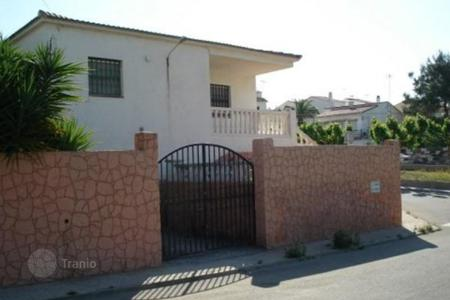 Cheap residential for sale in Torredembarra. Villa – Torredembarra, Catalonia, Spain