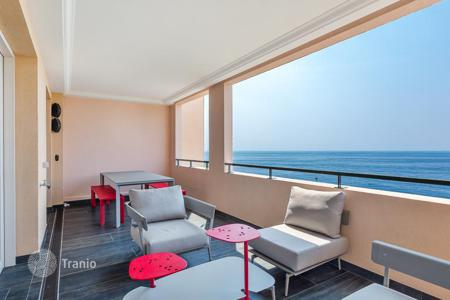 Residential for sale in Monaco. Renovated apartment with sea view, in Fontvieille, Monaco